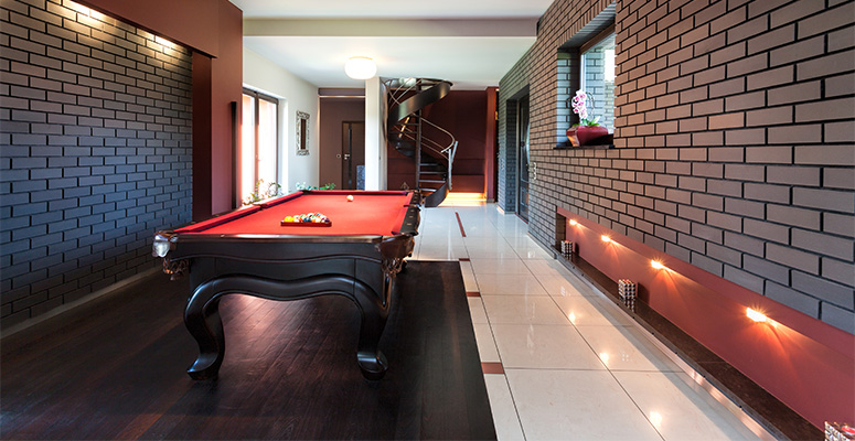 Basement laminate flooring is it right for your home for Laminate flooring estimate